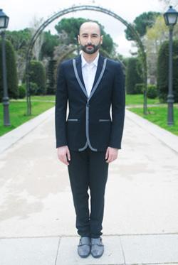 Javier Martínez Madrid, vestido de García Madrid